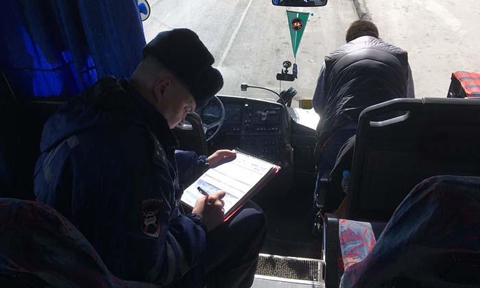 С участием водителей автобусов на дорогах республики зарегистрировано 29 аварий, в которых 4 человека погибли (в Костомукше и Петрозаводске), 48 человек травмированы.